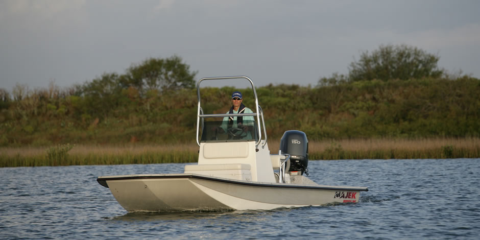 Majek boats shallow water fishing boats for Shallow water fishing boats